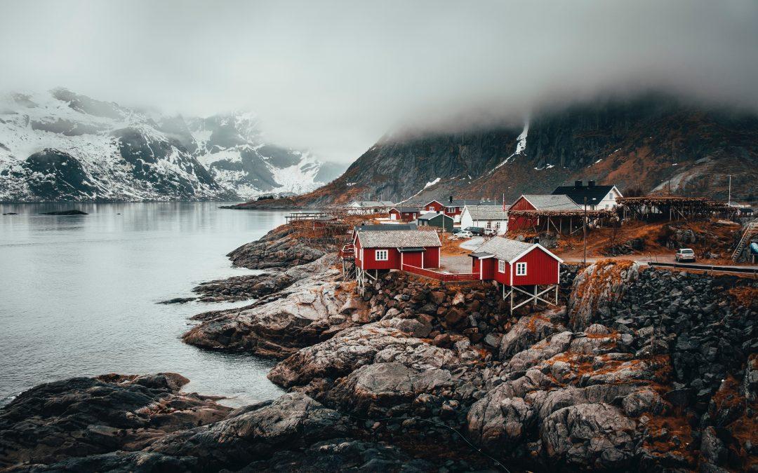 PodróżowaniekamperemprzezSkandynawię – VanLifeSkandynawia